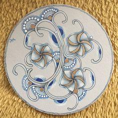 12 Days of Zentangle - Day 6 #zentangle #zentangles #tangles #tangled #czt #meditatie #mindfulness #happy #bestlifeever 🙏❤️ Zentangle Drawings, Zentangles, Zen Colors, Tangle Doodle, Tangled, Doodles, Projects, Art, Atelier