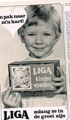 Oude advertentie Liga baby en peuter koeken 1971 Old Advertisements, Advertising Signs, Sweet Memories, Childhood Memories, Poster Ads, Poster Prints, Vintage Ads, Vintage Posters, Culture Jamming