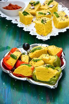 Rezepte-Gujarati-Khaman-Dhokla-in-2-Styles   mygingergarlickitchen.com/anupama_dreams