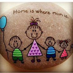 47 Creative DIY Painted Rock Ideas for Your Home Decoration Pebble Painting, Pebble Art, Stone Painting, Diy Painting, Stone Crafts, Rock Crafts, Arts And Crafts, Painted Rocks, Hand Painted