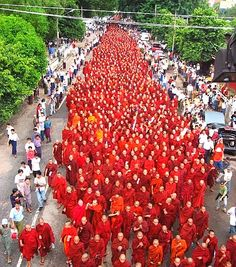 Sangha, fellesskap. Betegner buddhismens munke- og nonnefellesskap. Et begrep brukt om samfunnet med munker og nonner, i noen tilfeller alle buddhister. Er den tredje av buddhismens Tre Juveler (de to andre er Buddha og Dharmalæren om alle tings ikke-dualitet). Begrepet brukes også innen jainisme og sikhisme.