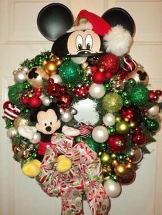 Disney Christmas Decorations on Pinterest | 129 Pins