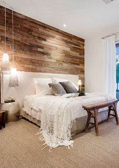Modern Rustic Bedroom Cozy rustic farmhouse bedroom ideas Boho vintage romantic bedding design Simple and elegat in white pink neutral wood colors rugs lamps pillows furniture decorations Modern Rustic Bedrooms, Rustic Bedroom Design, Rustic Master Bedroom, Master Bedroom Design, Dream Bedroom, Home Decor Bedroom, Bedroom With Wood Wall, Trendy Bedroom, Pallet Wall Bedroom