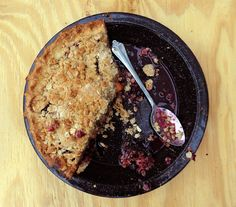 Recipe: Peach Blueberry Blackberry Pie with Oat Crumble Topping Oatmeal Crumble Topping, Pie Crumble, Fruit Recipes, Dessert Recipes, Cooking Recipes, Recipies, Pie Recipes, Just Desserts, Summer
