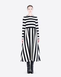 Dress in printed crepe couture.Crew neck long-sleeved #dress in #crepe couture with contrasting black/ivory #striped print.