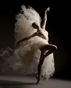 3 Fitness Hacks For Adult Ballet Students Ballet Art, Ballet Dancers, Ballet Painting, Bolshoi Ballet, Dance Aesthetic, Dance Photography Poses, Fitness Photography, Ballet Dance Photography, Photography Kids