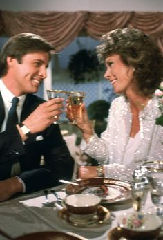 Scarecrow and Mrs. King~The adventures of a housewife and a spy whom she fell in with. Bruce Boxleitner and Kate Jackson