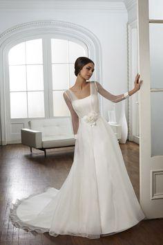 TRENDY MORI LEE-56 abiti da sogno, per #matrimoni di grande classe: #eleganza e qualità #sartoriale  www.mariages.it
