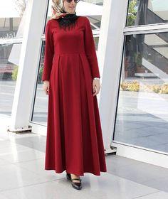 Güzel kalpleriniz için çok çok teşekkür ❤️ Sonuçta ben de insanım galp galp galp görünce mutlu oluyorum yalan mı söyliyim #elbisesevengiller ben bayildimmm bu modele. Üst kısmı Güler Erkan, alt kısmı pratik kestim, bloga da etek kısmını koyacağım inşallah. Sevgiler #NebihanAkca . . . . #hfupclose #hijabiselegant #hijaboutfit #hijabfashioninspiration #muslimahchamber #hijabchamber #hijabfashion #hijaber #hijabista #fashionmodesty #modestfashion #hijabtutorial