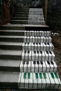 these remind me of the giant piano things at FAO Schwartz in Seattle or NYC :)