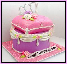 Princess Pillow cake by Bellina's