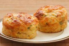 Cottage Cheese En Ei Muffins Met Bacon En Lente-ui recept | Smulweb.nl