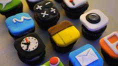 Here at Mashable, it's no secret we all love cake. In fact, the only things we love more than cakes are geeky cakes. So, to satisfy our sweet tooth (and geekiness)