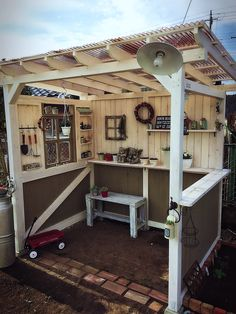 I love this for its simplicity Outdoor Laundry Rooms, Outdoor Rooms, Outdoor Living, Wood Deck Plans, Natural Fall Decor, Bbq Shed, Garden Rack, Bbq Cover, Small Backyard Pools