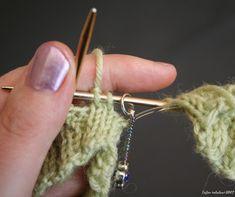 Taijan tekeleet: Kaksi sukkaa yhdellä pyöröllä Drop Earrings, Fashion, Moda, Fashion Styles, Drop Earring, Fashion Illustrations