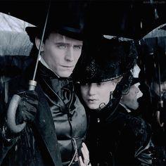 Crimson Peak Tom Hiddleston & Mia