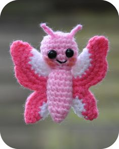 free pattern, just in time for butterfly crocheting time