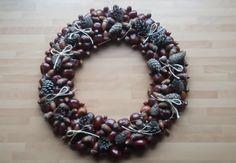 DIY EASY Autum Wreath Tutorial | Gör Det Själv: Höstkrans Enkelt  https://www.youtube.com/watch?v=H1YZXZ8nLsU