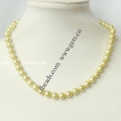 south sea shell necklace jewelry http://www.gets.cn/product/South-Sea-Shell-Necklace--Round--8mm_p187271.html