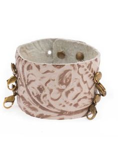 Lenny & Eva Wide Cuff Embossed Taupe