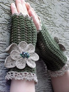 "Another beautiful pair of ""Fingerless Gloves"" from this site!"
