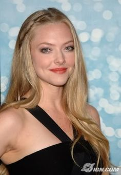 Amanda Seyfried with long hair and an accent braid