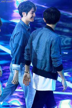 Baekhyun is always staring at Chanyeol so lovingly