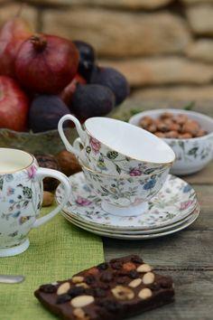 Rasfață-ți papilele gustative cu o cafea aromată servită în ceașca din porțelan englezesc!  #cesti ceai # cesti cafea #ceasca cafea