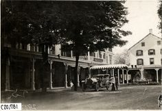 Motorists with automobile parked in front of Kittatinny House, Delaware Water Gap, Pennsylvania, 1908 Glidden Tour Delaware Water Gap, Delaware River, Lehigh Valley, Old Photos, Pennsylvania, Automobile, The Past, Street View, Tours
