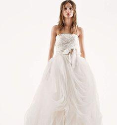 В наличии!�� Запись на примерку по т.+7(918)661-25-50 WhatsApp,Viber/Direct. #verawang#dresses#love#style#fashion#happy#day#wedding#weddingdress#bride#life#wow#followforfollow#likeforlike#свадьба#мечта#стиль #платья#счастливыйдень#вераванг#любовь#свадьбавкраснодаре#невеста#кубань#краснодарскийкрай http://gelinshop.com/ipost/1515904714347231796/?code=BUJk05cAbo0
