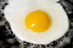 Apparently There Are Exactly 6 Ways To Fry The Perfect Egg | Food Republic