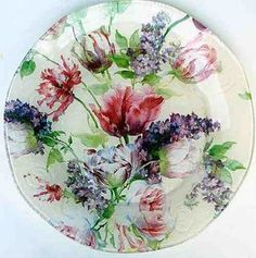 decoupage plate Decoupage Plates, Decorative Napkins, Diy And Crafts, Arts And Crafts, Wax Flowers, Centerpiece Decorations, Bottle Art, Creative Decor, Fun Projects