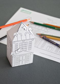 Free Halloween haunted house coloring page printable to download and make! Great last minut decorating with kids! (Make a town!) See Smallful.com for details