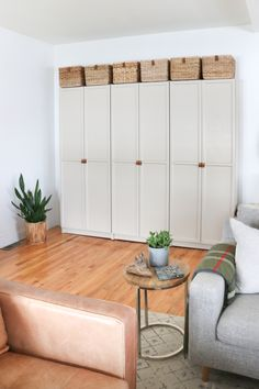 Billy Bookcase With Doors, Ikea Billy Bookcase Hack, Billy Bookcases, Beige Cabinets, Diy Cabinets, Ikea Hack Storage, Ikea Hacks, Armoire Entree, Billy Oxberg