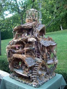 The Fairy tree house Fairy Tree Houses, Fairy Village, Fairy Garden Houses, Gnome Garden, Fairy Houses For Sale, Garden Homes, Garden Art, Fairy Furniture, Fairy Doors