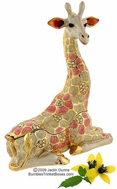 Trinket Box: Giraffe Lying Down. Love the colors and the animal.