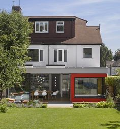 Private property in Southgate, North London with Glazing Vision Europe British Architecture, Sustainable Architecture, London Architecture, London Property, Private Property, Corner Window Seats, Large Open Kitchens, Roof Light, House Extensions