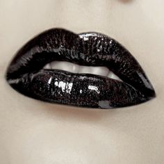 Crafty Lady Abby: BEAUTY: Black Lips with Tutorial