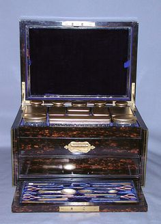 Cosmetic Case & Jars  c.1874-1875 - F.P. London (1875)
