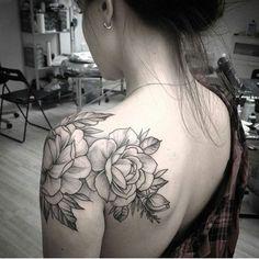 Artist @alex_tabuns flower tattoo rose