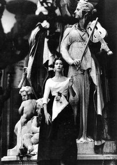 Mary McLaughlin by William Klein, Paris, 1957