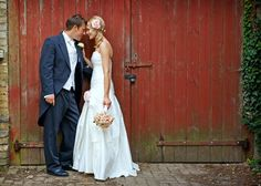 I want barn wedding pictures too:)