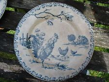 assiette terre de fer COQS porcelaine opaque de GIEN POULE POUSSIN