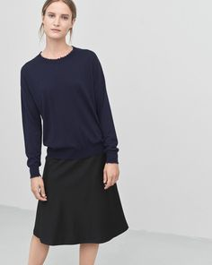 Frayed R-Neck Top Navy. Simple navy top | Minimalist navy top | Minimalist woman | Minimalist style | Capsule wardrobe | Intentional living | Slow fashion | Simplicity | Less is more