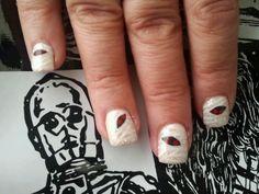 Nail Art #Halloween #nails #art #handpainted #mummies #glitter #3Sixty°