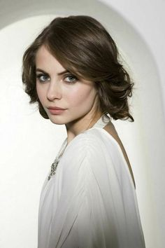 I reposted this pic cause Willa Holland looks like Princess Leah Willa Holland, Thea Queen, The Oc, Gossip Girl, Cw Series, Young Actresses, Child Models, Photos Du, Dark Hair