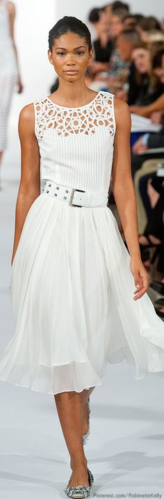 Oscar de la Renta | S/S 2014. What a beautiful dress. Love the flow of the skirt.