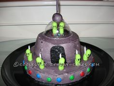 Fun Oozing UFO Cake... This website is the Pinterest of birthday cake ideas