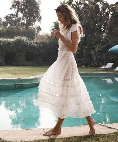 Beautiful lace dress feature light fabrics, perfect for a beautiful Boho-Summer. Lace Beach Wedding Dress, Wedding Dresses, Wedding Dress Casual, Party Dresses, Diy Kleidung, White Dress Summer, Long White Casual Dress, White Lace Boho Dress, Boho Summer Dresses