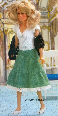 Ensemble de fête - Brico-line Diy Barbie Clothes, Barbie Clothes Patterns, Clothing Patterns, Doll Clothes, Barbie Knitting Patterns, Knitted Doll Patterns, Knitted Dolls, Barbie Dress, I Dress